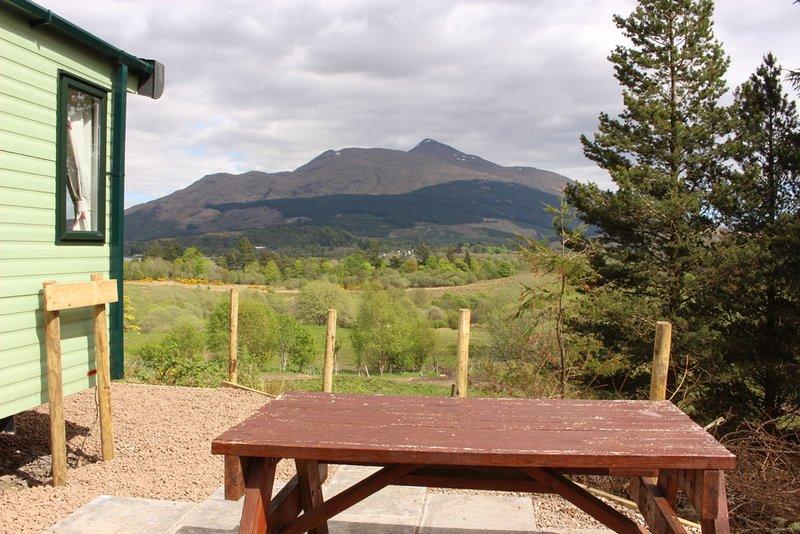 Glen View - vista do pátio para Ben Cruachan