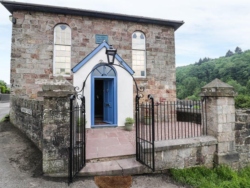 Rainforest Chapel, Ruspidge, holiday rental in Forest of Dean