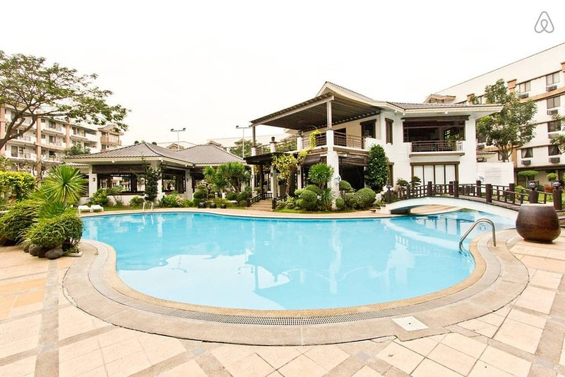 2 BEDROOM (MAYFIELD2-CAINTA-54 SQM), vacation rental in Rizal Province