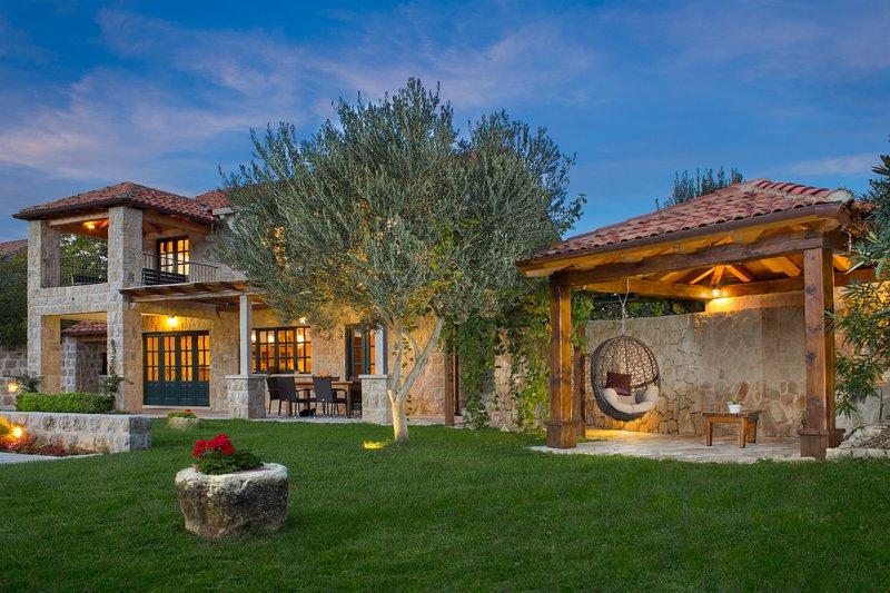 Villa Nina, location de vacances à Mocici