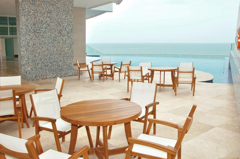 Palmetto Eliptic Beachfront Luxury in the Heart Of Bocagrande, holiday rental in Bolivar Department