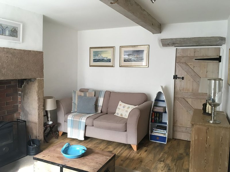 Cosy lounge with comfy settees