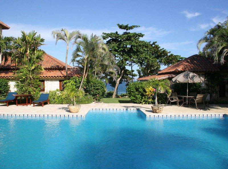 Beach Front Luxury Villa Lazy Hearts 10 Bedrooms, holiday rental in Maria Trinidad Sanchez Province