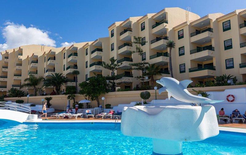 Tranquil 1 Bedroom Apartment. Costa Adeje. Communal pool., vacation rental in Playa de Fanabe