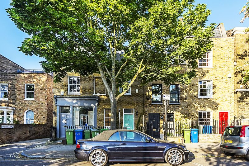 Quintessential Camberwell Grove is a home with charm, elegance and fine character.