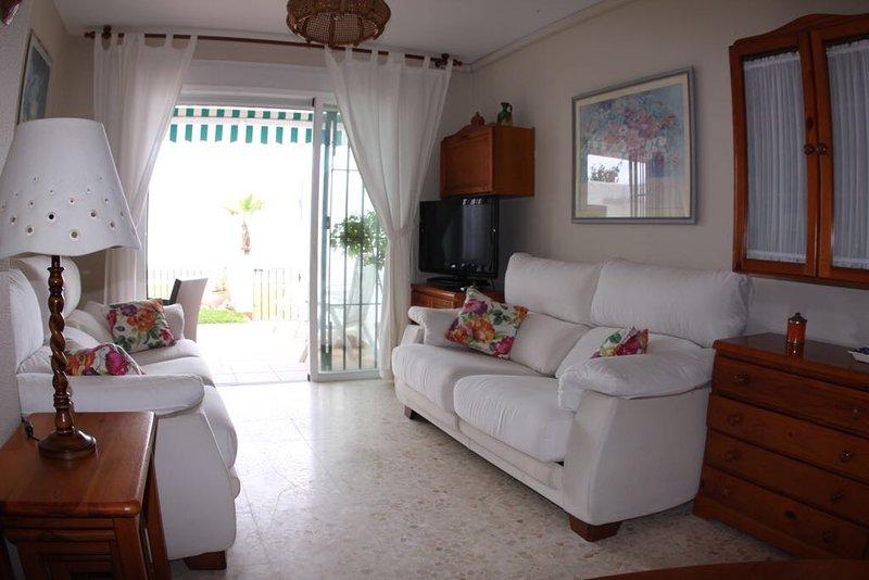 Precioso apartamento en primera linea de playa, con terraza con vistas al mar, alquiler de vacaciones en Novo Sancti Petri