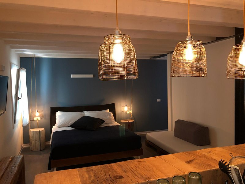 Kibò Urban Lodge appartamenti e camere vicino al mare a Chioggia, location de vacances à Chioggia