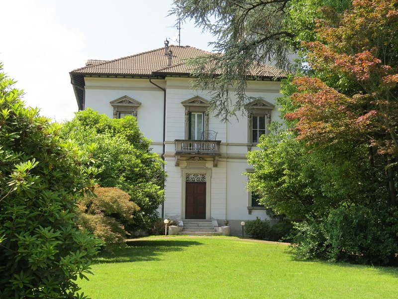 Appartamento Emy with pool, holiday rental in Verbania