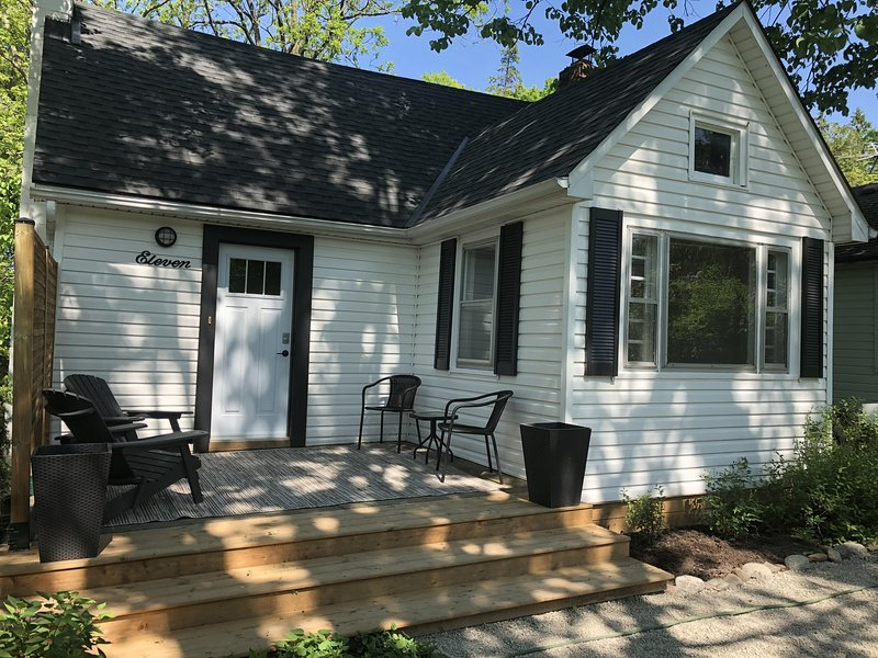 Lake Breeze Cottage - NOTL