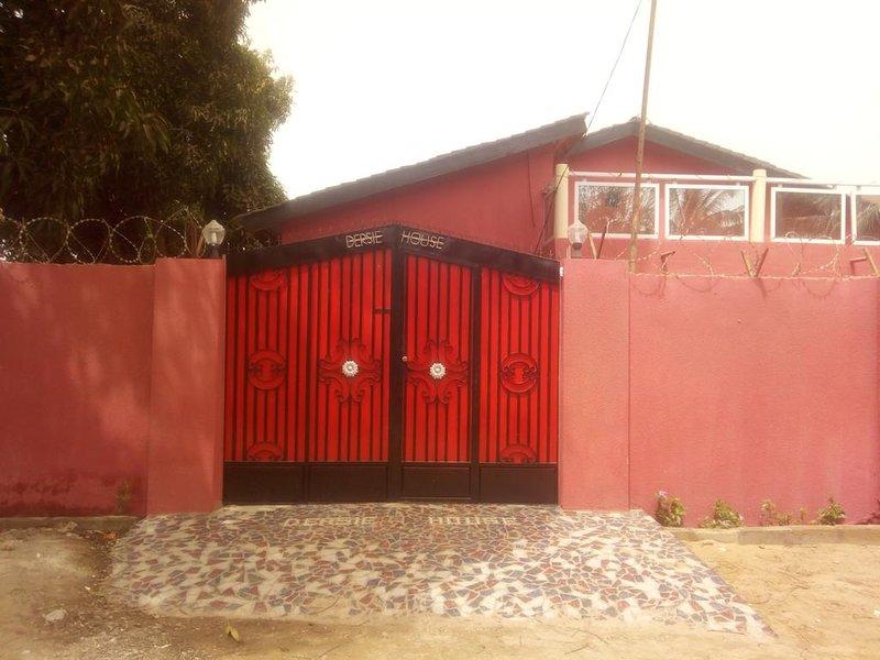 Dersie House, holiday rental in Serekunda