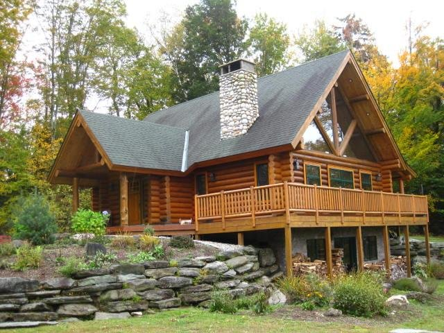 A classic New England log cabin in Stowe, Vermont!