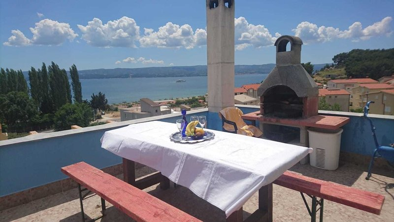 Ana A2(2+2) - Omis, vacation rental in Omis