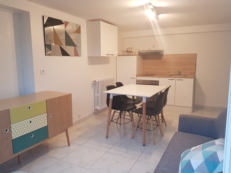 Partie privatif dans maison individuel, vacation rental in Plouay