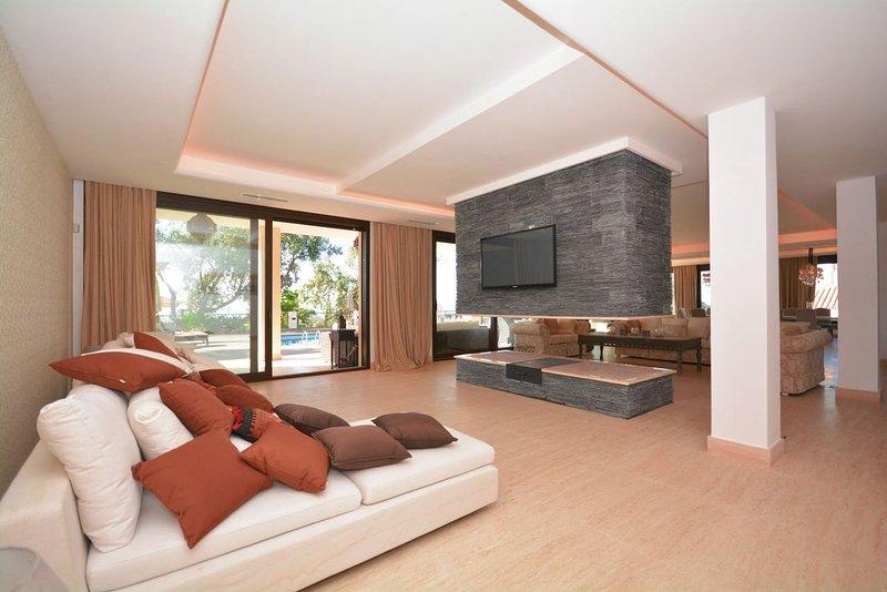 Huge open space with inside lounge area
