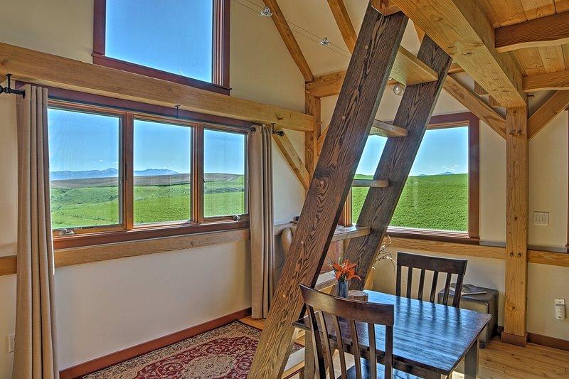 Retrouvez le meilleur de Bozeman à « Gallatin Guest House » une location de vacances cabine!