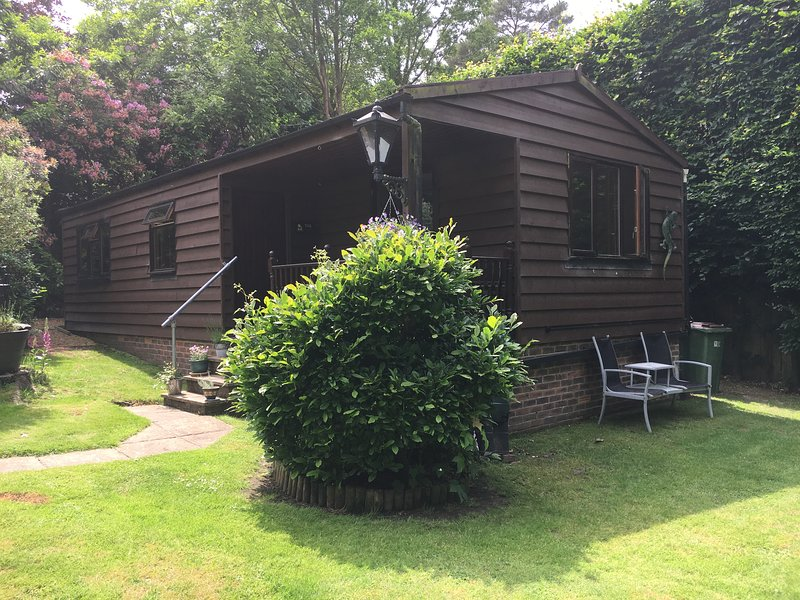 Newly refurbished, self contained Cabin in semi-rural Village, holiday rental in Storrington