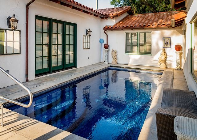 Magnificent Spanish Mission Style Villa Nestled in Vineyard, aluguéis de temporada em Bradley