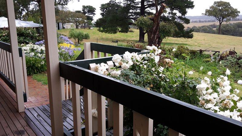 Serene Farm at Reefman Arts Estate Retreat, holiday rental in Fernbank