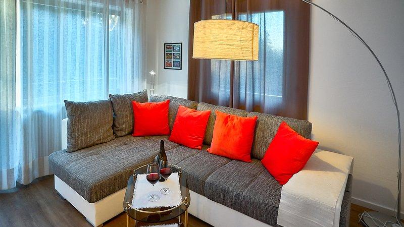 Brand new 70sqm apartment, 1 km from Lake Carezza, in the Dolomites, casa vacanza a Nova Levante