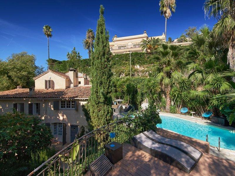 VILLA LES PINS - PETIT COIN DE PARADIS A CANNES, vacation rental in Cannes