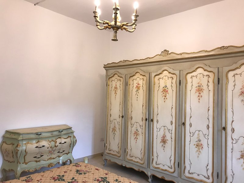 wardrobe and chest of drawers double
