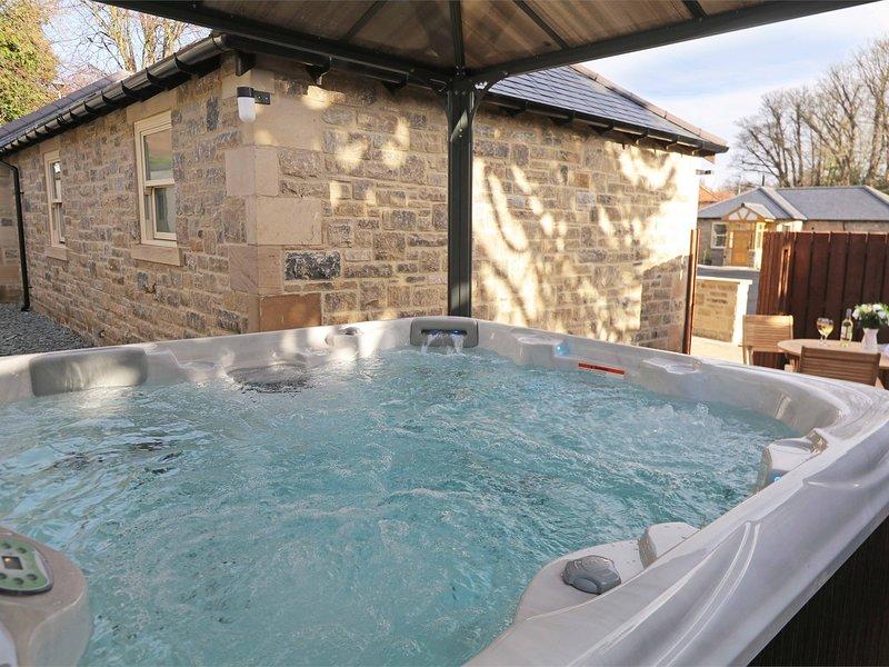 La vostra vasca idromassaggio privata con baldacchino