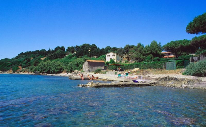 Talamone Villa Sleeps 10 with Pool and WiFi - 5218281, holiday rental in Collecchio