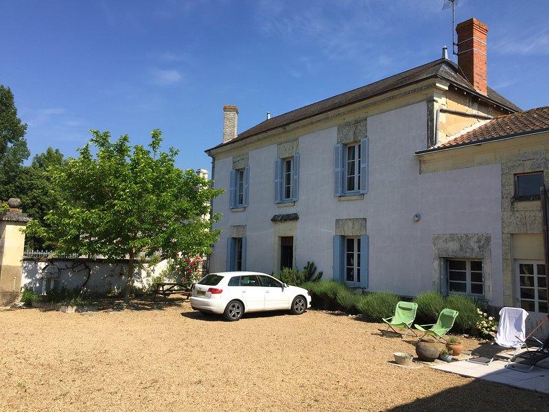 Loire Farmhouse near Chinon & Saumur, holiday rental in Chinon