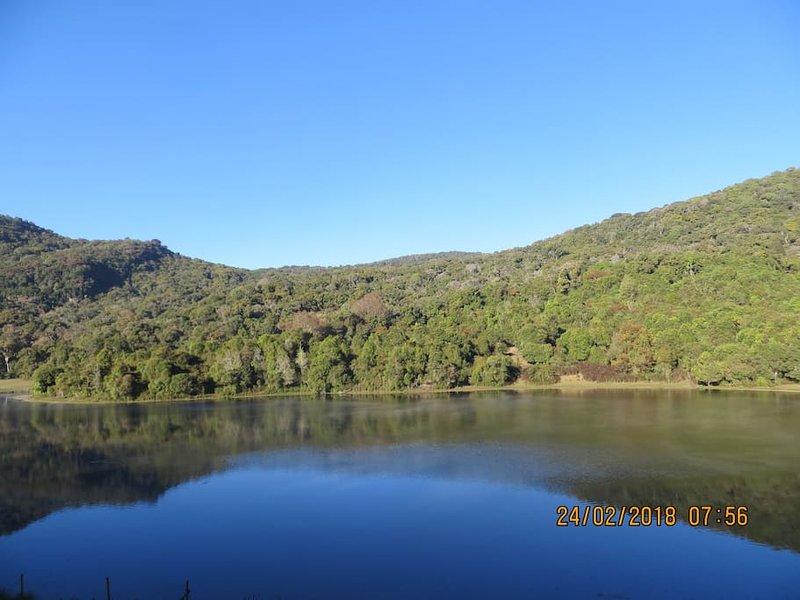 Lo splendido lago Kookal circondato da rare e preziose foreste di Shola.