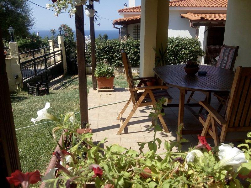 Comfortable Apartment Close to Beach, holiday rental in Profitis ilias