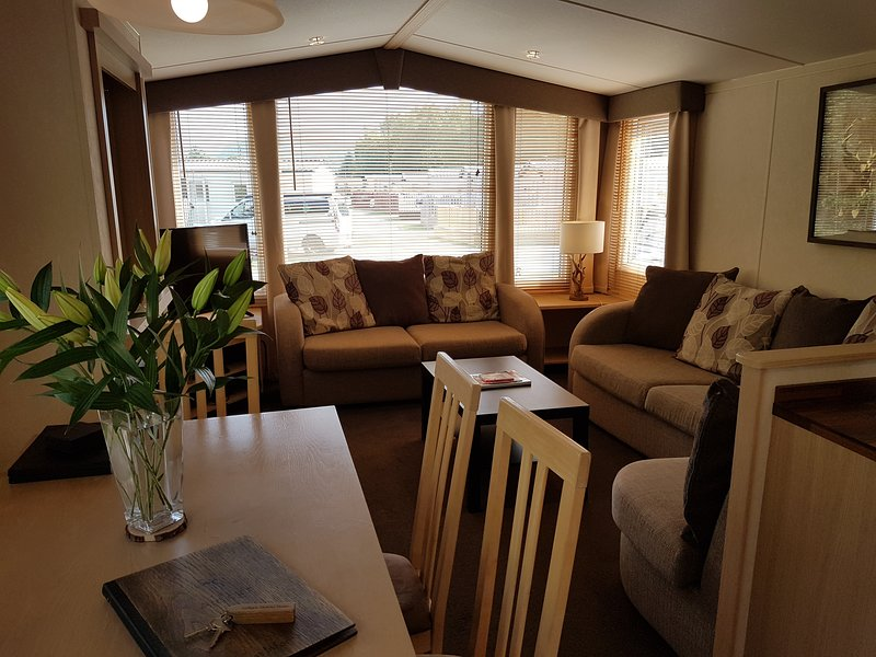 Aviemore Holiday Home / Ski Chalet, holiday rental in Kincraig