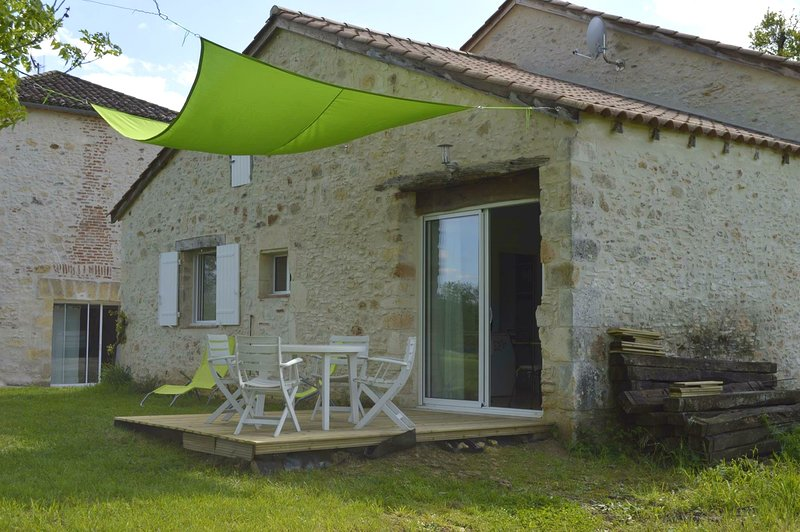 Amazing house with shared pool, vacation rental in Lot-et-Garonne