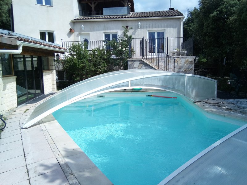 Spacious villa with swimming-pool, holiday rental in Lezan
