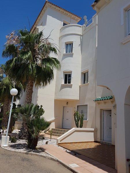 Lovely 2 bedroom apartment, Miraflores III, Playa Flamenca, alquiler vacacional en Playa Flamenca