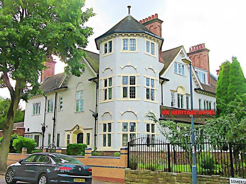 RK Heritage Guest House (Room 12), location de vacances à Wolverhampton