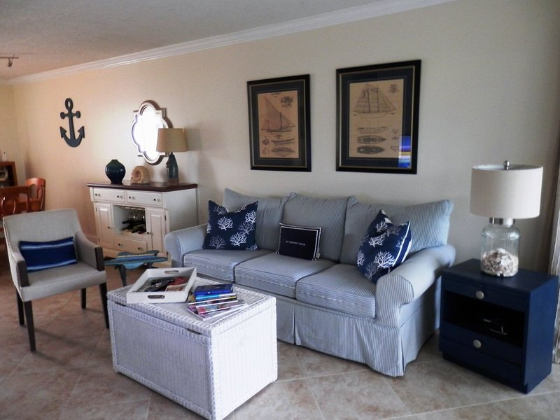BT 3611 Garden View Condo-Welcome to Paradise, holiday rental in Hutchinson Island