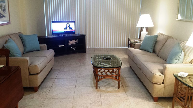 OV 414 Golf Course View Condo-Welcome to Paradise, holiday rental in Hutchinson Island