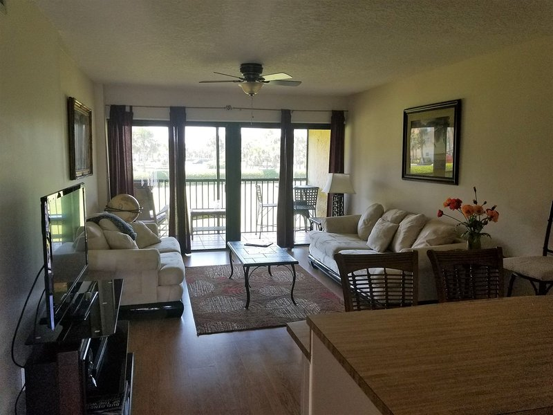 OV 925 Golf Course View Condo-Welcome to paradise, holiday rental in Hutchinson Island