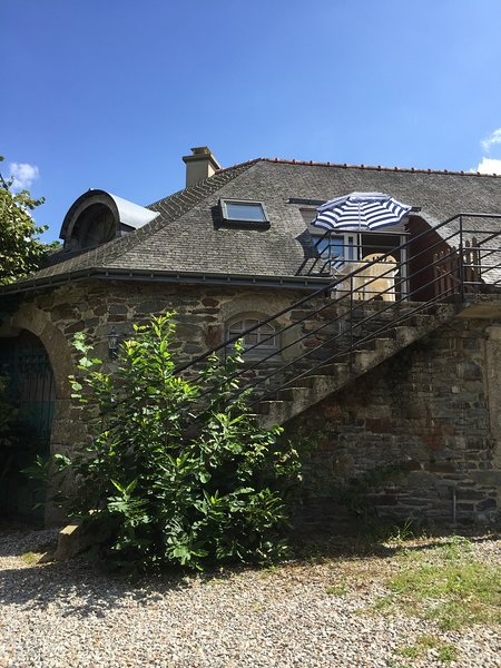 'theapartmentholiday' - Holiday Apartment located in Central Brittany Sleeps 4, location de vacances à Cleguerec