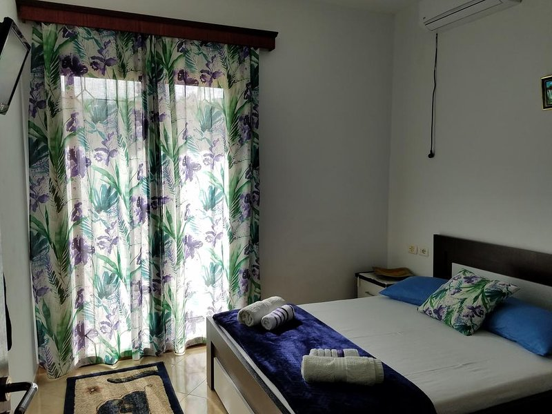 Guesthouse Redi-Room 2, holiday rental in Ksamil