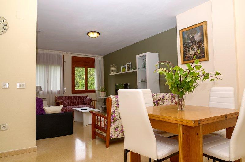 Acogedor apartamento en Alcañiz a 5 minutos de Motorland, location de vacances à Maella