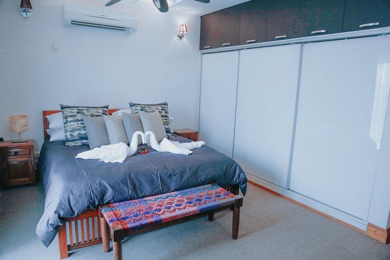 The Mahal- Raja Garh Suite, holiday rental in Manimajra