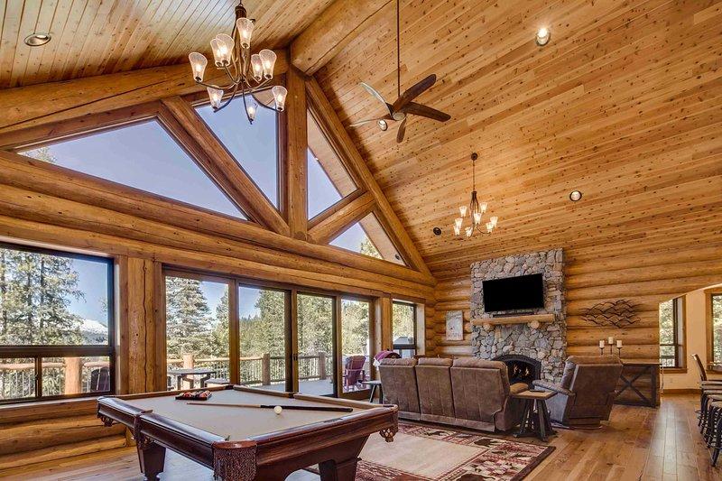 Unwind in this 3-bedroom, 3.5-bathroom vacation rental cabin in Breckenridge.
