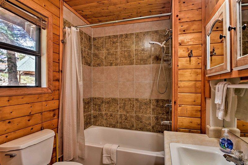 Tomar um banho rápido ou um longo banho.