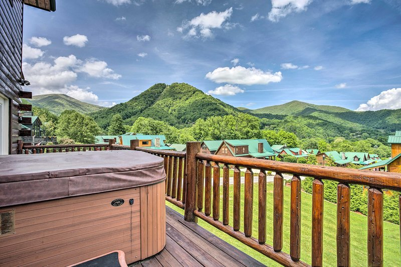 This beautiful cabin is located just 10 miles from Waynesville!