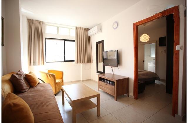 7.Ezra Hasofer 9 One bedroom for 2, aluguéis de temporada em Tel Aviv