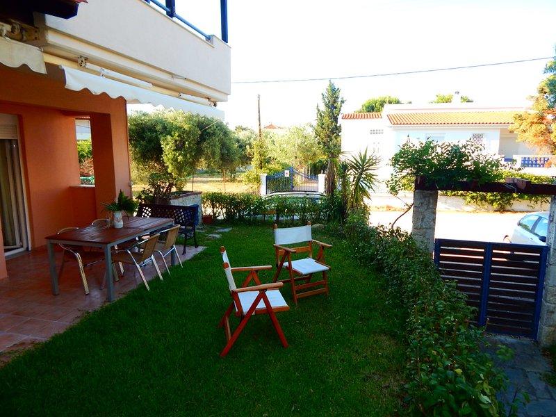 Kripis House Pefkohori near the sea., holiday rental in Kassandra