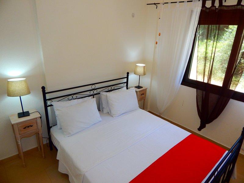 Kripis Studio Paliouri No2, holiday rental in Loutra