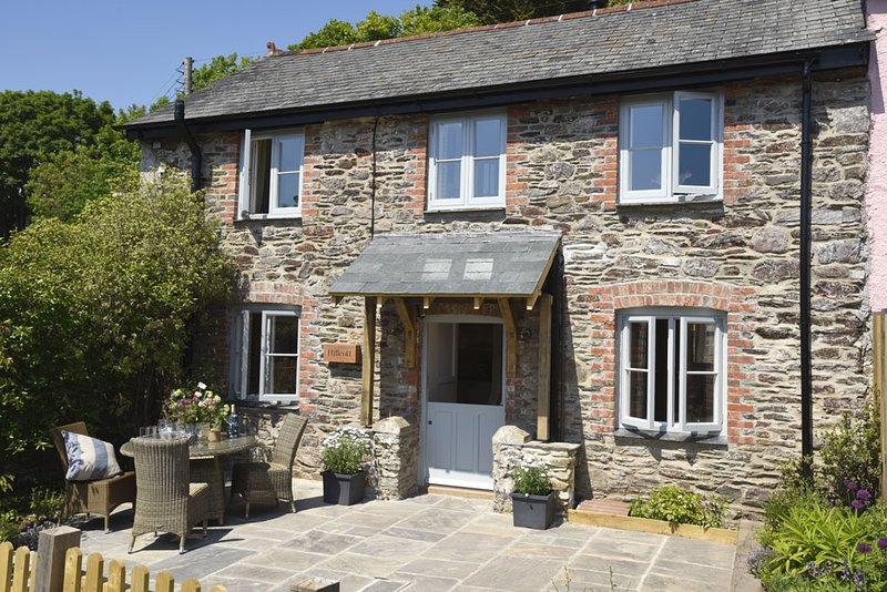 Stunning 2 bedroom waterside cottage in Newton Ferrers, South Hams, Devon, casa vacanza a Brixton