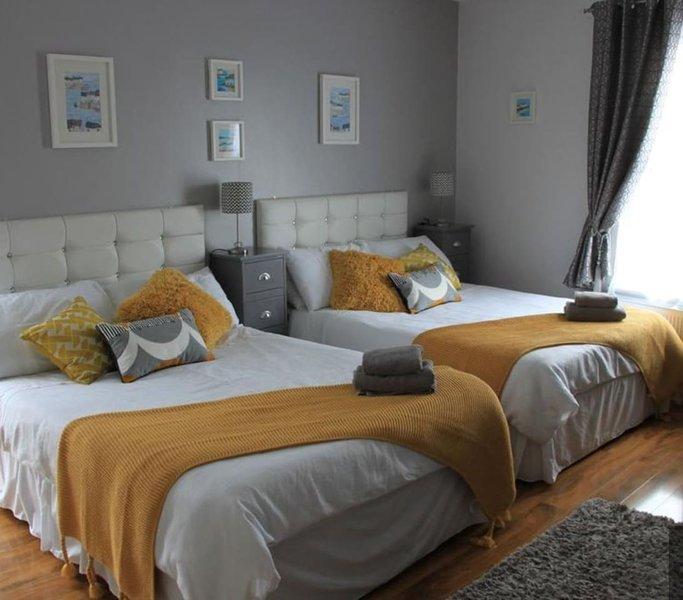 Dormitorio familiar; tiene capacidad para 2 adultos y 2 niños solamente